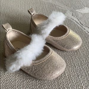 Gap Baby Girl Glitter Faux Fur Slipper 6-12m EUC